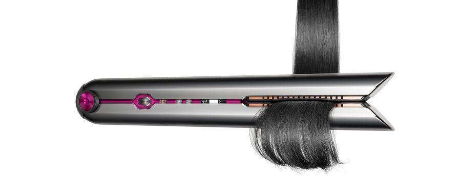 Le Dyson possède des plaques flexibles qui s'adaptent à l'épaisseur de vos cheveux.