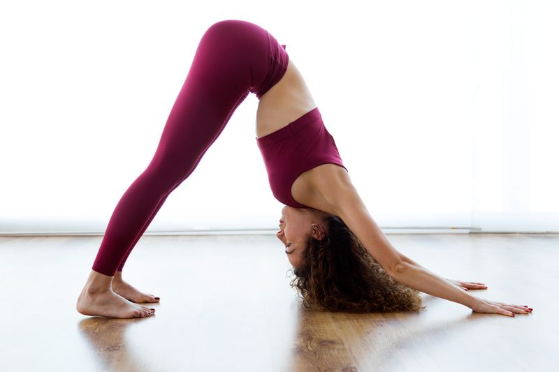 Posture de Yoga : Chien tête en bas (Adho Mukha Svanasana)